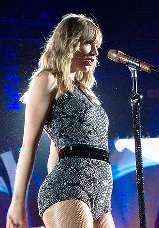 Reputation (Taylor Swift album) - Swift performing at the Reputation Stadium Tour in 2018