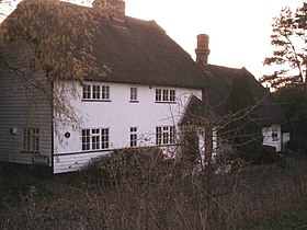 Thatched cottage in Nuthampstead - geograph.org.uk - 284204.jpg