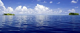 The deep blue sea (6834127561).jpg