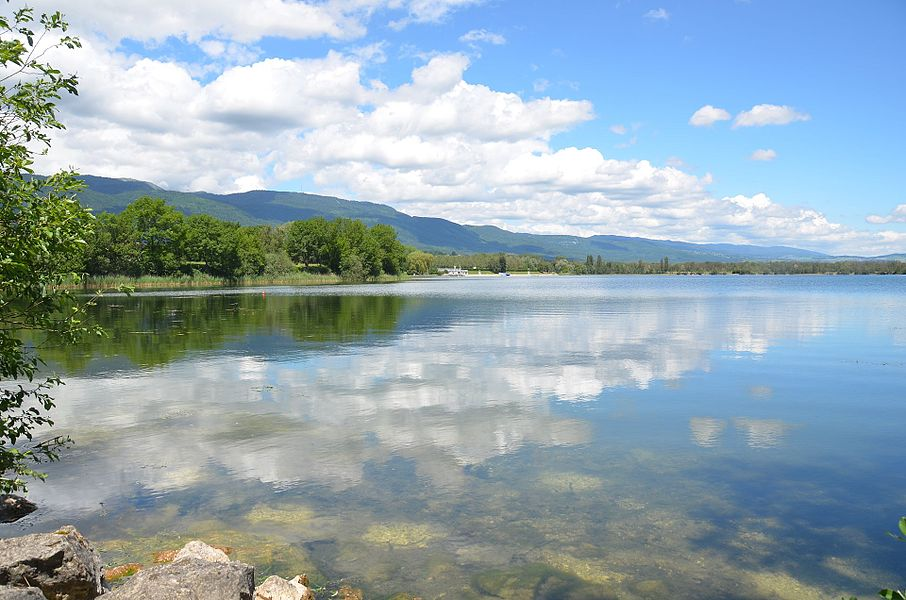 The lake of Divonne-les-Bains near the Swiss border with swimming possibilities