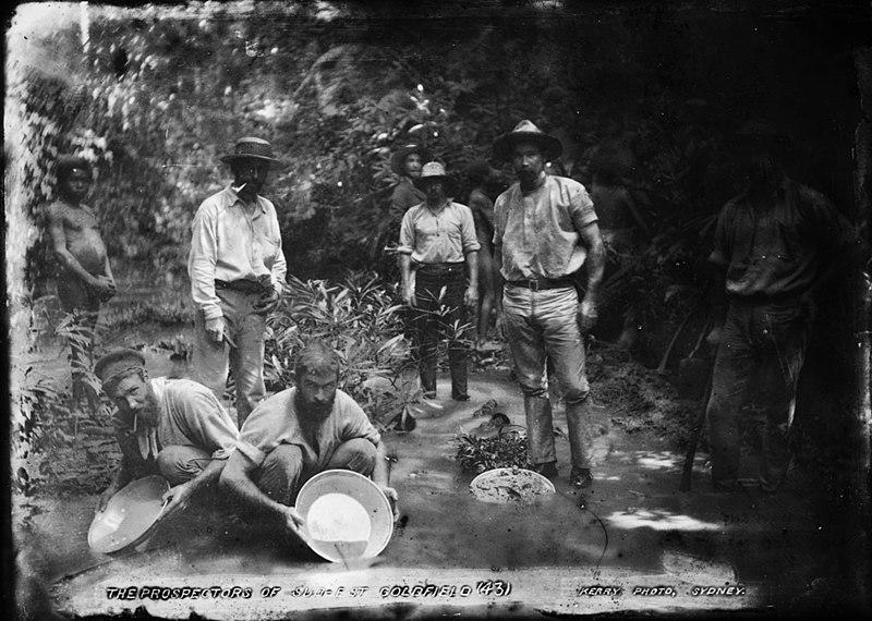 File:The prospectors of Sud-Est Goldfield (2415279112).jpg