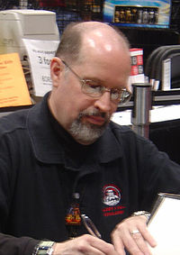 Timothy Zahn in 2005.jpg