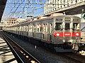 Tokyu Series 8500 8630F in Hikifune Station.jpg