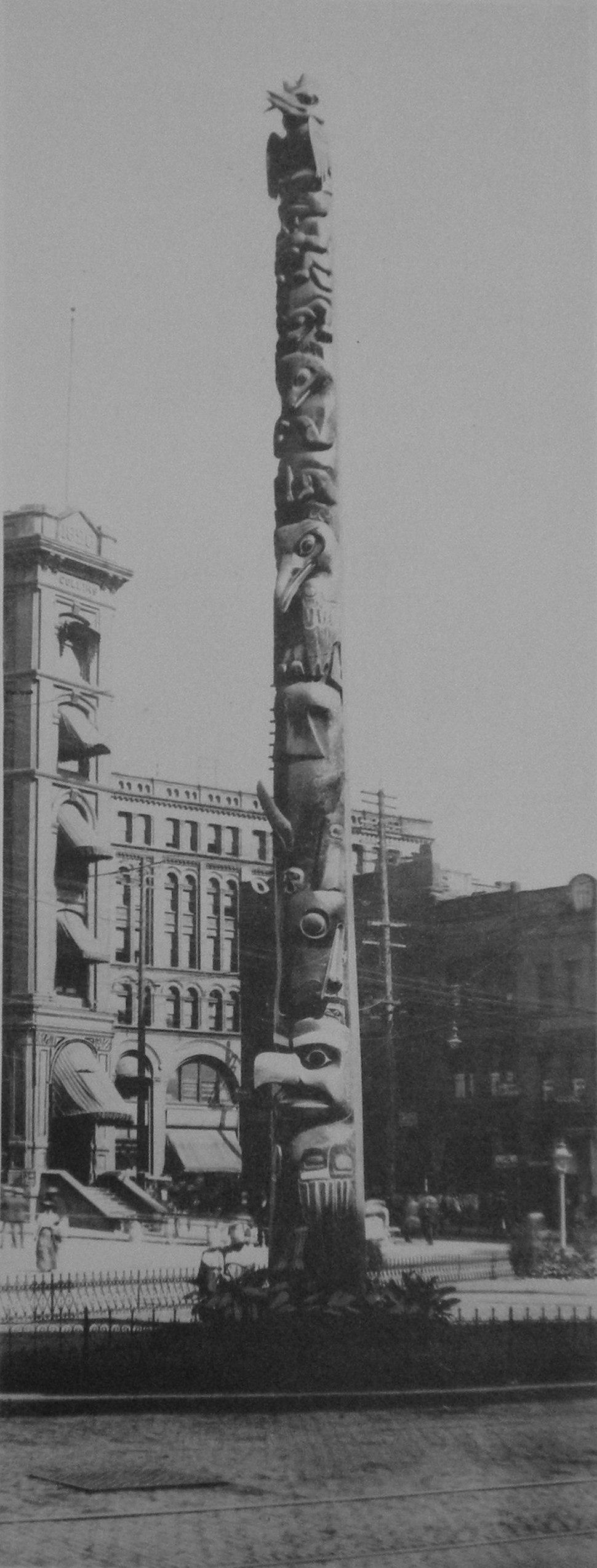 Totem Pole - Pioneer Square - 1907