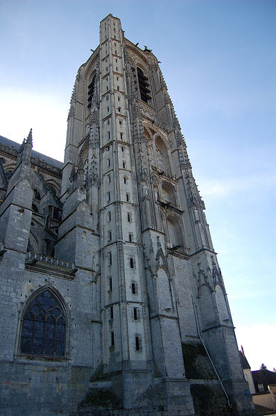 File:Tour cathedrale bourges.JPG