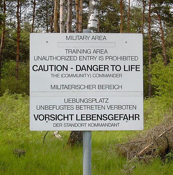 File:Truppenuebungsplatz Warnschild.jpg