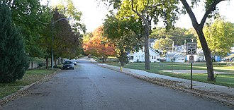 Boulevards in Omaha, Nebraska - Turner Boulevard south of Leavenworth Street. Leavenworth Park is at right.