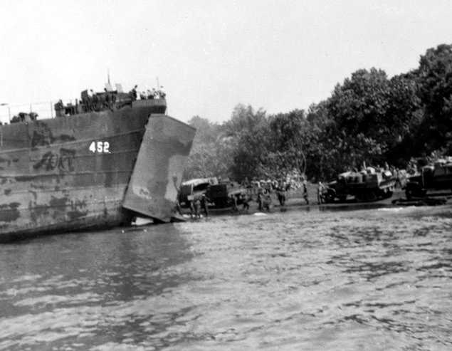 USS LST-452 4 September 1943 Lae New Guinea