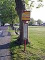 Un arrêt de bus de Laloubère.jpg