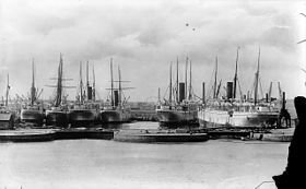 Union-Castle liners in the East India Docks.jpg