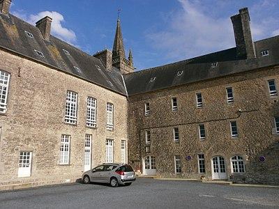 Valognes - Hôpital (2).JPG