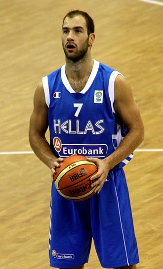 Vassilis Spanoulis - Spanoulis, in action with the senior Greek national team, at EuroBasket 2009.