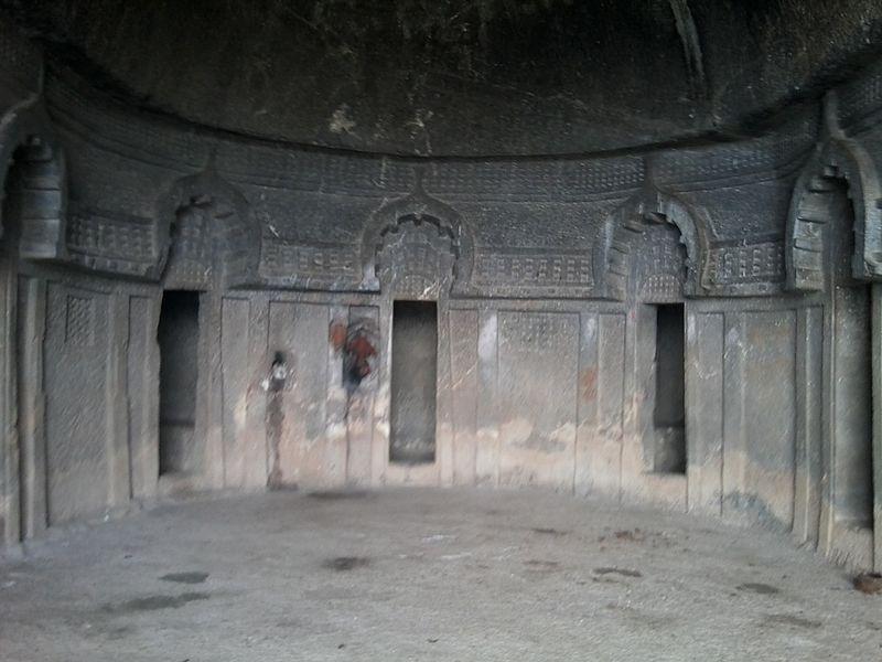 File:Vihara Lobby , Bedse Caves.jpg