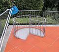 Villa il roseto, giardino, piscina 02 scaletta verso gli spogliatoi.JPG