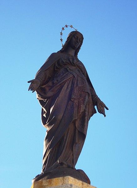 Personajes reales y esculturas de Divinidades en los sellos de Correos de España (1850-Abril de 2011) - Página 4 437px-Virgen_de_la_Inmaculada_Concepci%C3%B3n