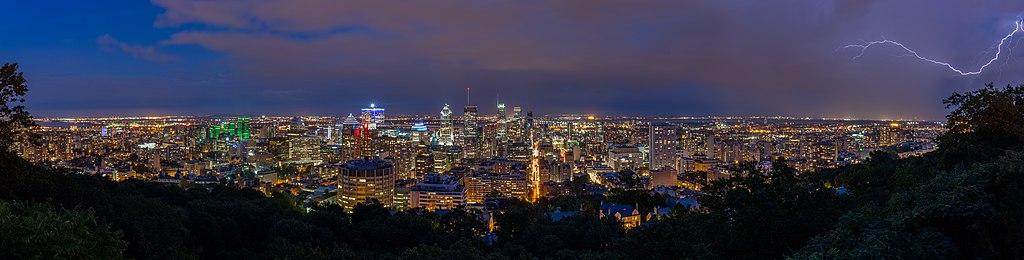 Vista de Montreal desde el Monte Royal, Canadá, 2017-08-12, DD 126-137 HDR PAN.jpg