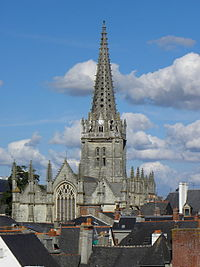 Vitré (35) Église Notre-Dame Façade ouest 12.JPG