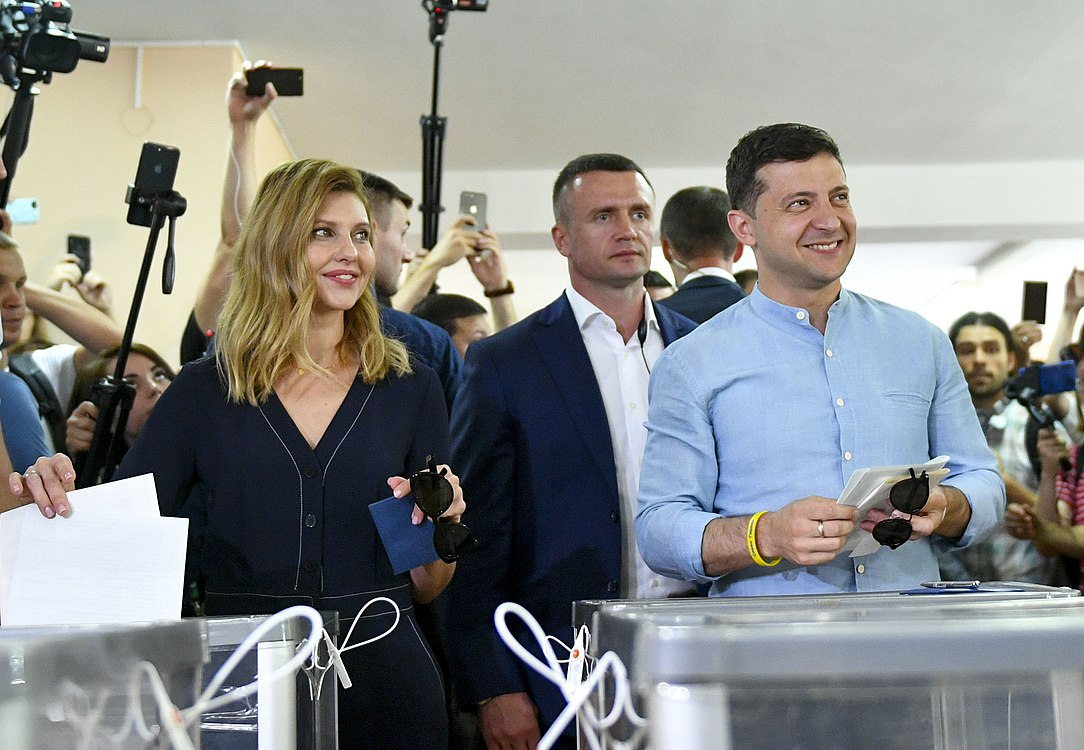 Volodymyr Zelenskyy voted in parliamentary elections (2019-07-21) 03.jpg