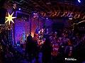 Vonda Shepard 12 20 2014 -13 (15888648740).jpg