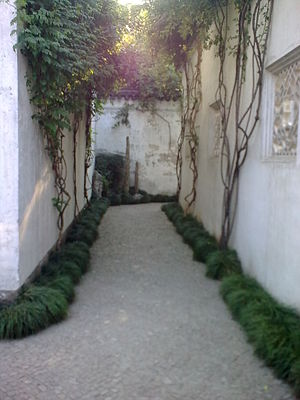 Garden of Cultivation - Image: Wen na alley