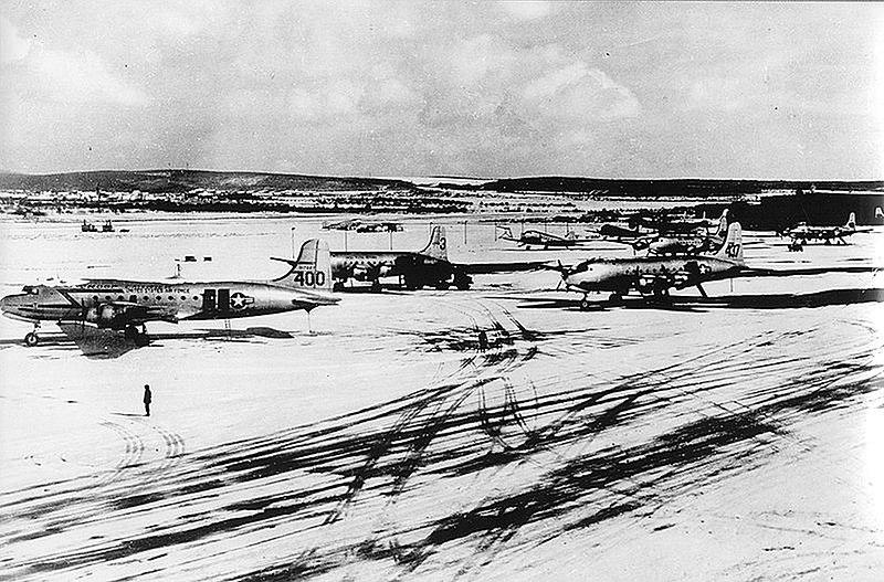 File:Wiesbaden Air Base during Berlin Airlift 1949.jpg