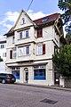 Wohn- und Geschäftshaus, Westfassade 01.jpg