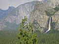 Yosemite bridalveil falls.jpg