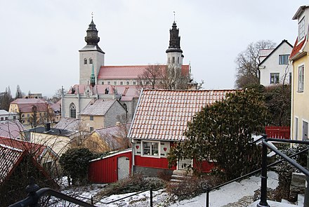 View towards St Mary's Cathedral in Visby, Sweden. Visby is one of the most well-preserved former Hanseatic cities in Sweden and a UNESCO World Heritage Site. Today it is the seat of Gotland Municipality. Ovre Finngrand 7 Sta Maria 29 Visby Gotland.jpg