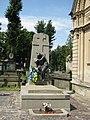 Гробниця, в якій похований Шашкевич М..jpg