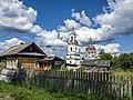 Троицкая церковь в селе Сорвижи. Общий вид.jpg