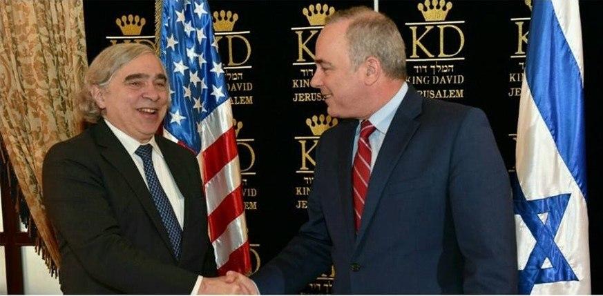 בעת ביקורו של מזכיר האנרגיה האמריקאי בישראל, אפריל 2016