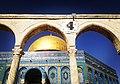 باب القطانين مع مسجد قبة الصخرة.jpg