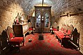 .ריהוט דמשקאי עשוי עץ ומשובץ בצדפים בסלון בית של משפחה ערבית באחד מכפרי הגליל לפני קום המדינה.jpg