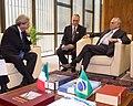 05-11-2015 Vice-presidente Michel Temer recebe Paolo Gentiloni, Ministro dos Negócios Estrangeiros e da Cooperação Internacional da Itália. (22181281224).jpg