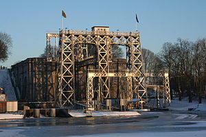 Boat Lifts on the Canal du Centre - Image: 0 Thieu L' ascenseur hydrauliques n° 4