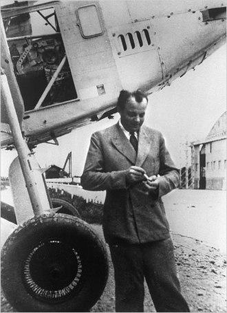 Antoine de Saint-Exupéry - Saint-Exupéry in Toulouse, France, 1933