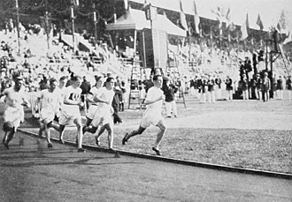 Athletics at the 1912 Summer Olympics – Men's 800 metres - The final under way.