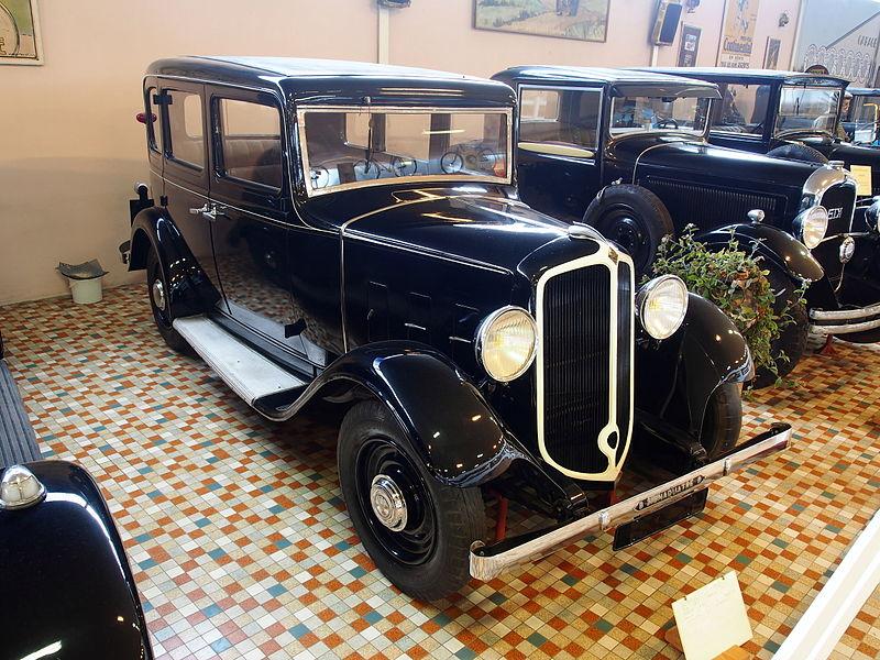 file 1932 renault yn i mona4 7cv 1460cc at the mus e automobile de vend e pic 1 jpg. Black Bedroom Furniture Sets. Home Design Ideas