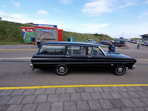 1964 Ford Falcon Estate pic2