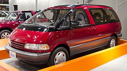 1990 Toyota Estima 01.jpg