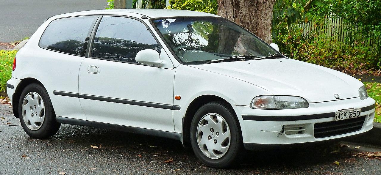 1280px-1993-1995_Honda_Civic_GLi_3-door_