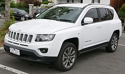 2015 Jeep Compass (MK MY16) Limited wagon (2015-12-07) 01.jpg