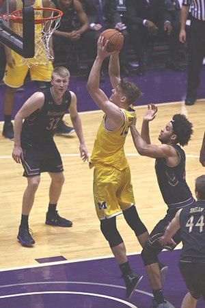 Moritz Wagner (basketball) - Image: 20170301 NW UM Moe Wagner at the rim