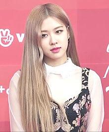20190106 (NEWSEN) 블랙핑크(BLACKPINK), 수줍은 많은 소녀지만 돋보이는 아름다운 미모 (Golden Disc Awards 2019) (3).jpg