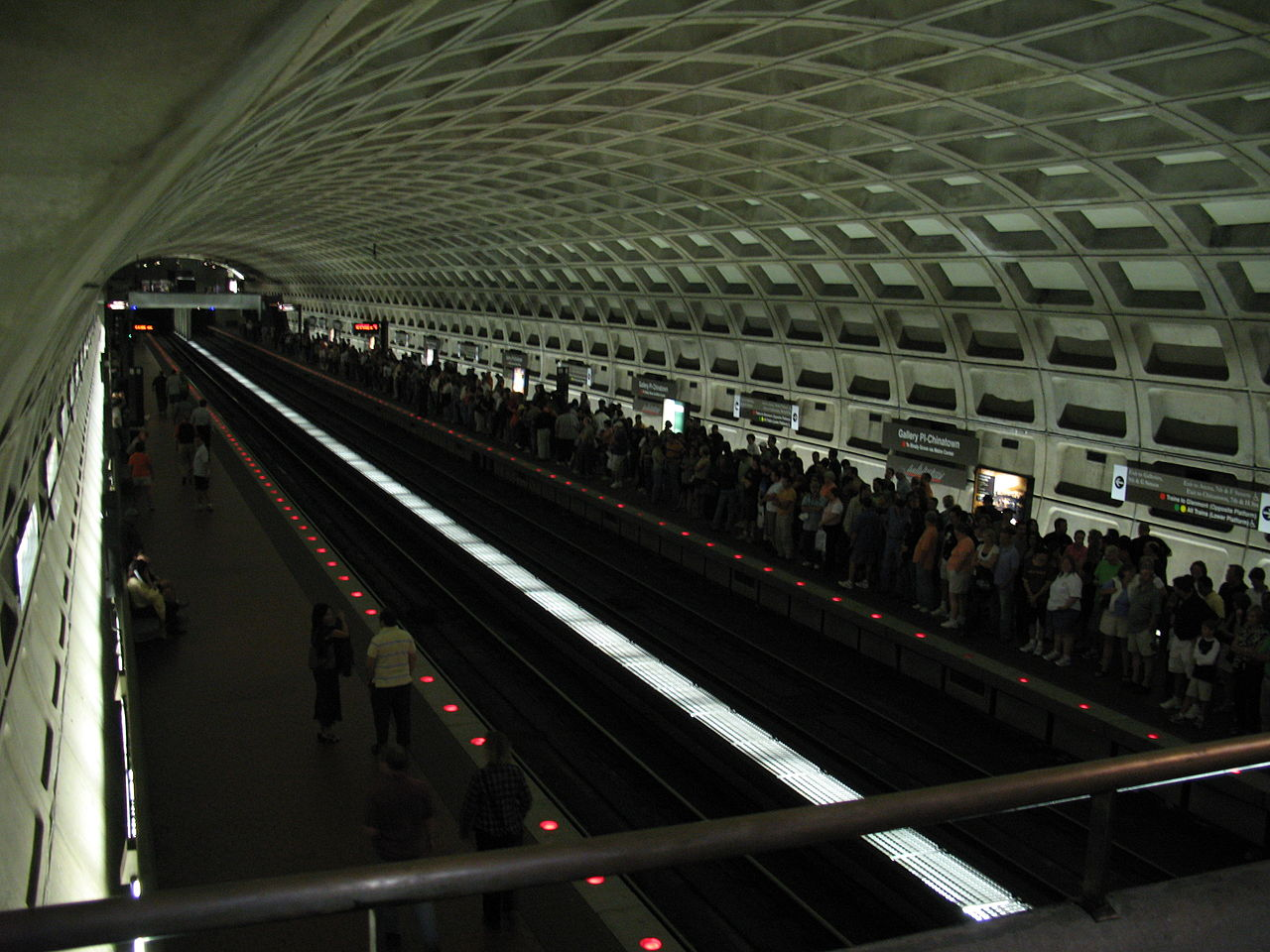 File 2524 Washington DC WMATA Metro Chinatown Station After Genesis Con