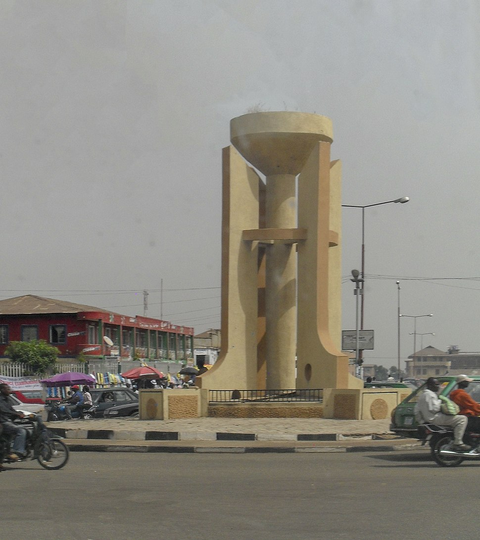 AHMADU BELLO WAY ROUND ABOUT JOS NIGERIA - panoramio
