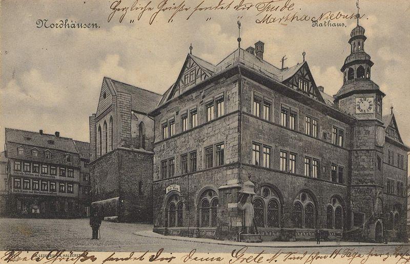 Datei:AK Nordhausen, Rathaus und Nikolaikirche (um 1900).jpg