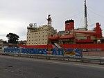 ARA Almirante Irízar en el Puerto de Buenos Aires (40500240950).jpg