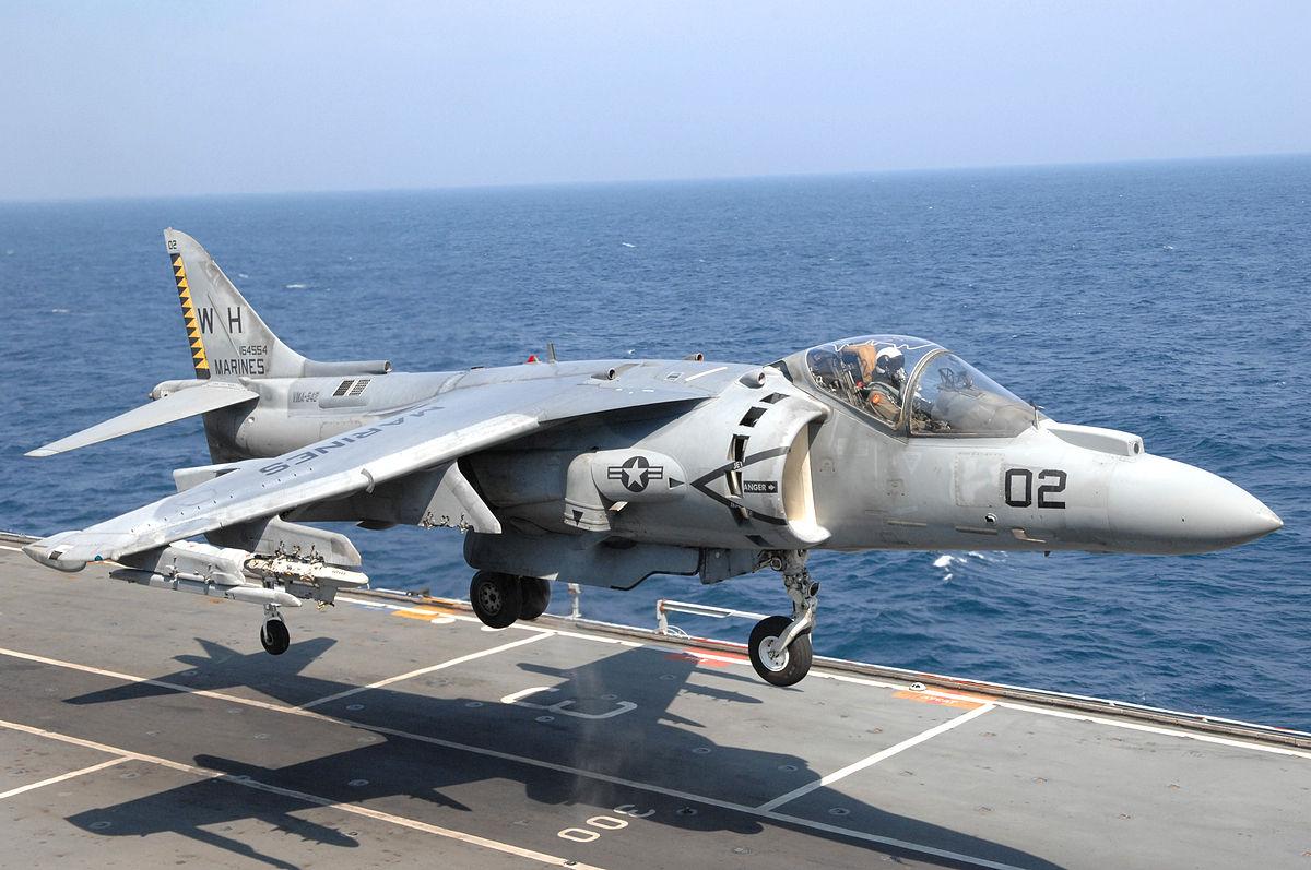 Resultado de imagen para Boeing AV-8B Harrier II + Marines