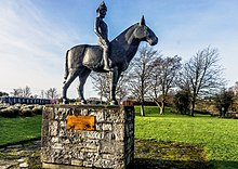 A sculpture of Máel Seachnaill II in Trim, Co. Meath, by James McKenna.jpg
